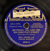 Cover Bing Crosby And Connie Boswell - Between 18th And 19th On Chestnut Street