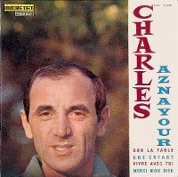 Cover Charles Aznavour - Sur la table