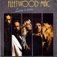 Cover Fleetwood Mac - Love In Store