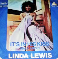 Cover Linda Lewis - It's In His Kiss