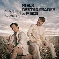 Cover Niels Destadsbader & Regi - De wereld draait voor jou