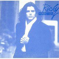 Cover Ricky Martin - Entre el amor y los halagos