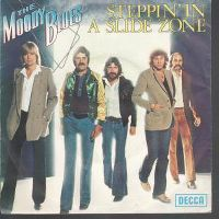 Cover The Moody Blues - Steppin' In A Slide Zone